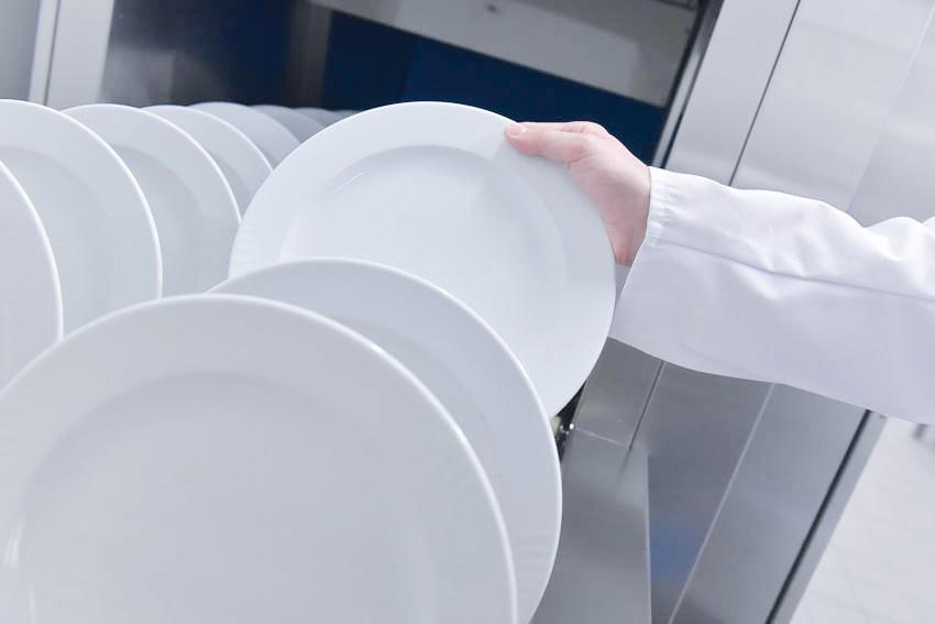 Reinigungsmittel gewerbliche Spülmaschine Reiniger Klarspüler Großküche Lohnhersteller HACCP Hygiene