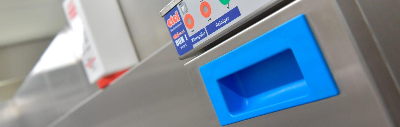 gewerbliche Spülmaschine Compactreiniger Dosiertechnik etolit Reinigungsmittel