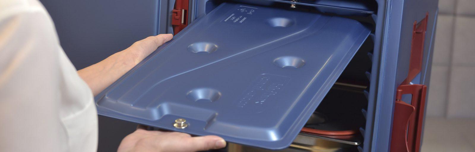 Speisetransport Speisetransportsystem Speisenverteilung Care Warmhalteboxen blu'box Transport Thermobox